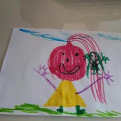 Samaya avec madame lutine dans ses cheveux ...