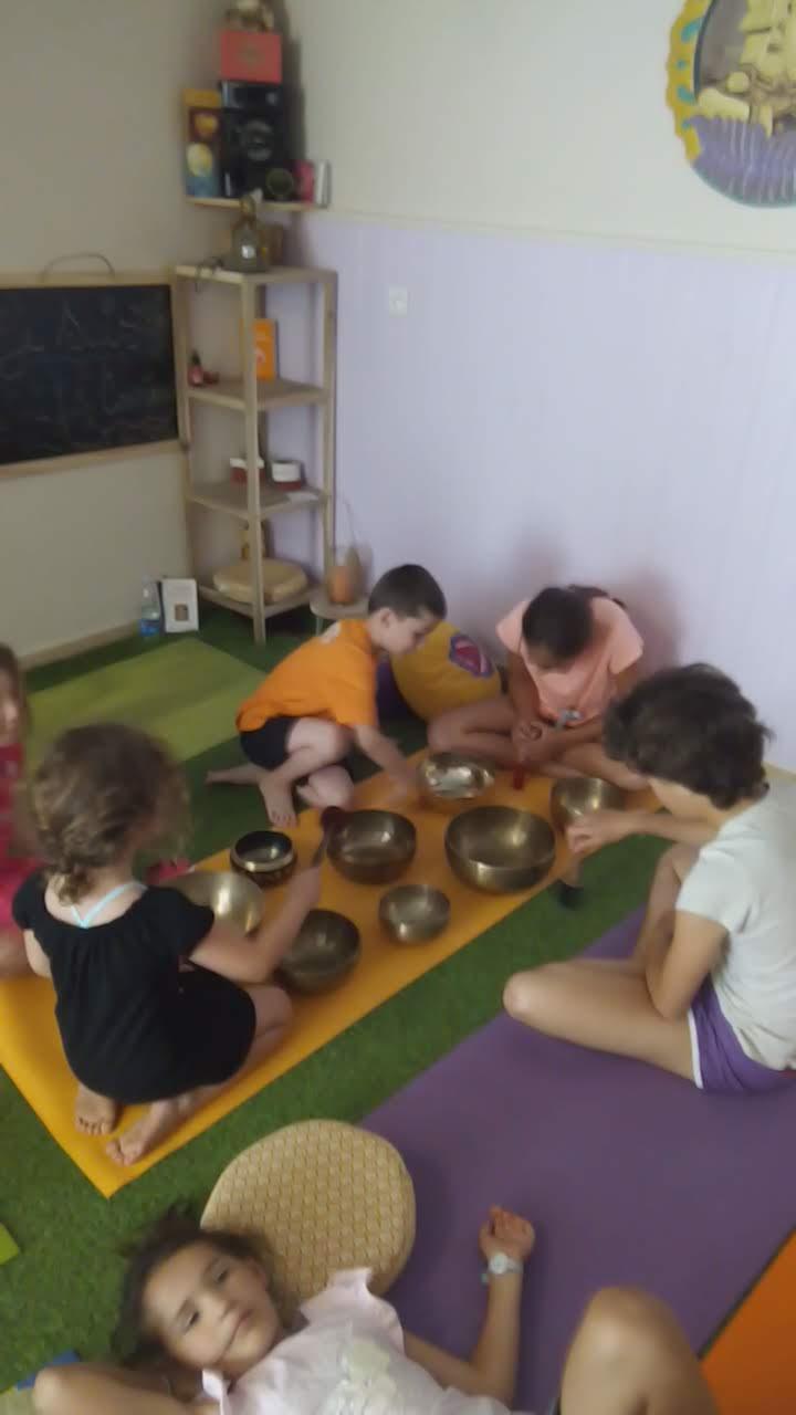 concentration et découverte des bols tibétains