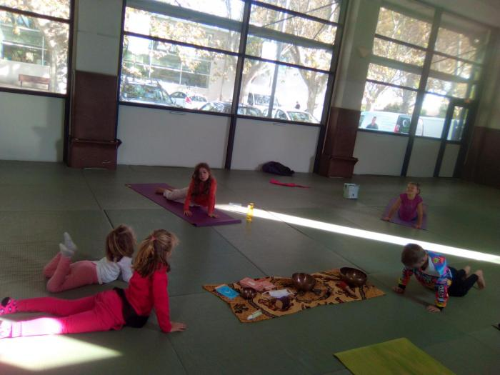 Sophro - Yoga Enfants Sérignan salle du dojo